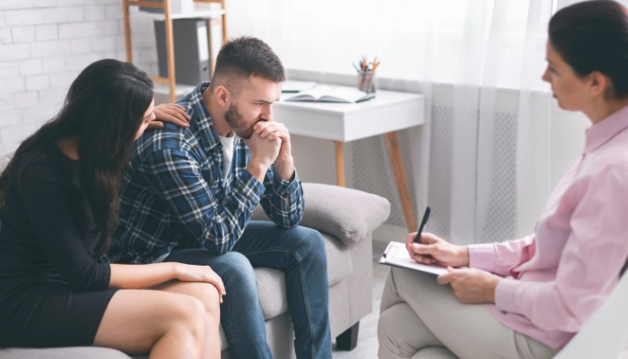 marriage and family therapist helps a couple