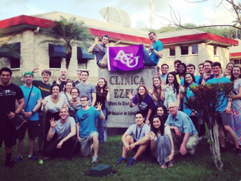 Students, faculty and alumni at Clinica Ezell in Guatemala