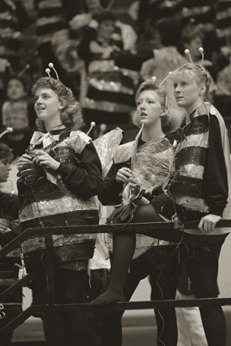 Sophomores in 1987 broke new ground with illuminated costumes as Broadway Bumblebees.