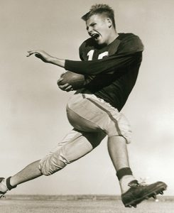 Sitton quarterbacked the Wildcats to an 11-0 record a bowl game in 1950.