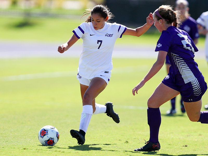 Christina Arteaga (7) is the second-leading scorer for the Wildcats in 2017. PHOTO BY TIM NELSON